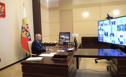 Дмитрий Азаров попросил Владимира Путина поддержать работников АВТОВАЗа