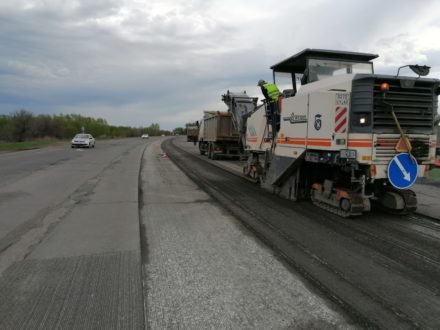 На участке дороги Тольятти-Ташелка начались ремонтные работы