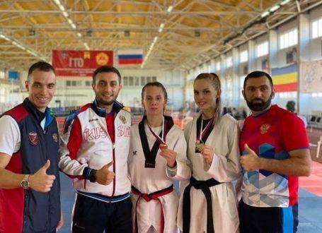 Тхэквондистки из Сызрани стали призерами первенства России