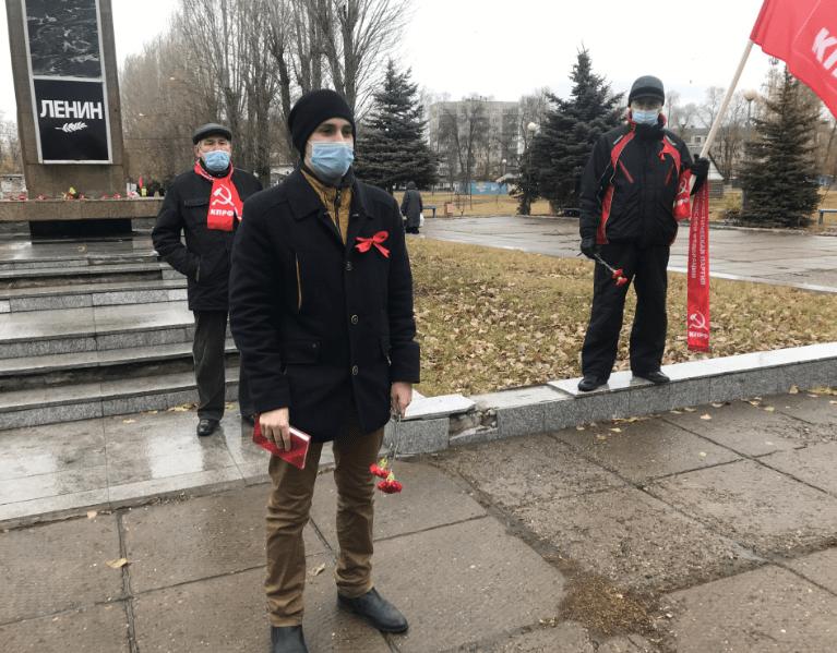 В Тольятти состоялось возложение цветов в честь Октябрьской революции