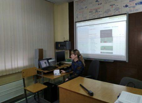 Школьникам Самарской области продлили дистанционный режим обучения