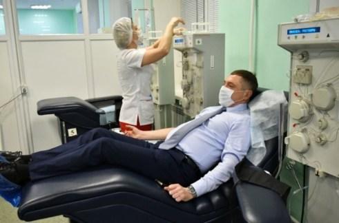 Врачи Самары сдали плазму для больных коронавирусной инфекцией