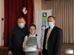 Тольяттинских школьников наградили именными подарками за тушение пожара