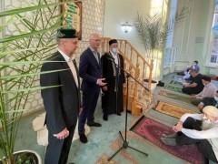 Николай Ренц поздравил мусульман Тольятти с завершением месяца Рамадана