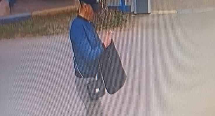 Тольяттинские полицейские разыскивают женщину, подозреваемую в краже
