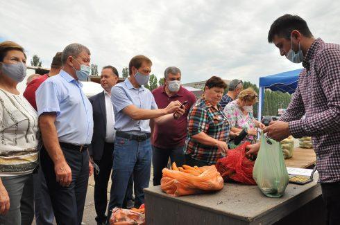 Депутаты «Единой России» хотят расширить количество ярмарок для снижения стоимости «борщевого набора» в Самарской области