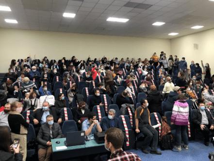 Как жители Тольятти учили городских чиновников считать