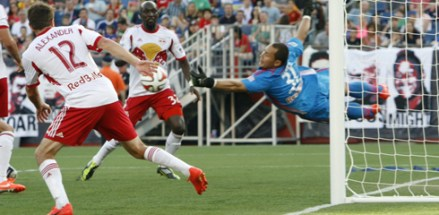 Luis Robles made 10 saves to help the Red Bulls get the shutout. (Photo: Chris Aduama/aduamaphotography.com)