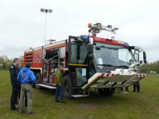 Flugfeldlöschfahrzeug der Bundeswehr-Feuerwehr aus Hohn bei Rendsburg