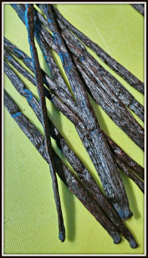 Homemade Vanilla Extract-Beautiful Vanilla Beans