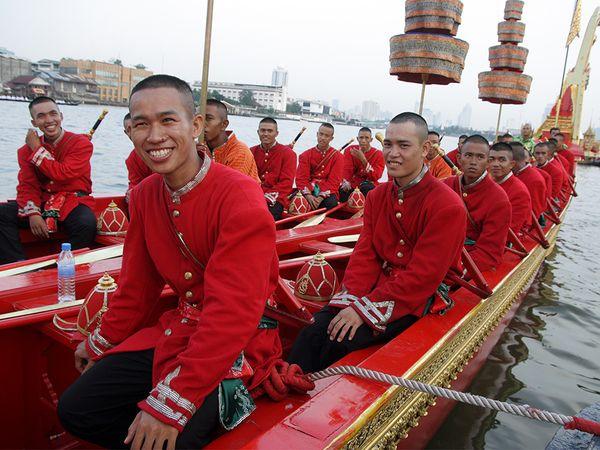 chao-phraya-boat-bangkok