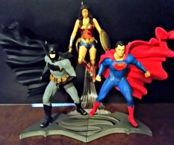 lovehallmark-keepsake-ornaments-dawn-of-justice-trio