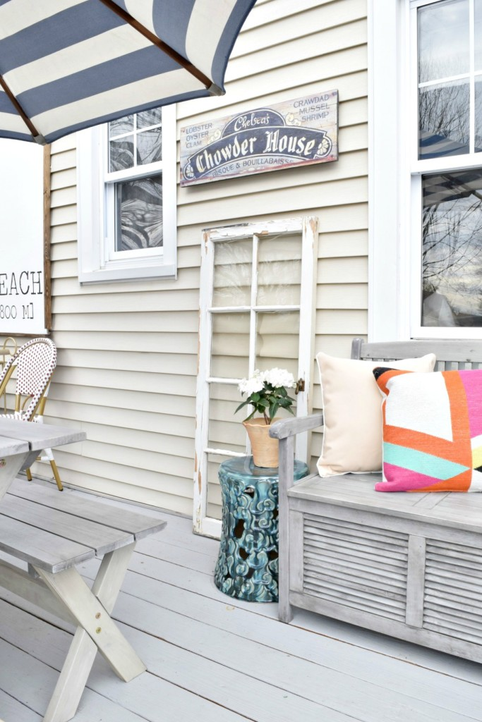 DIY back yard deck painting and decor