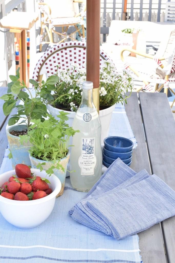 DIY backyard patio table