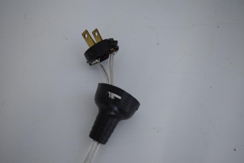 How to add a plug to a light DIY