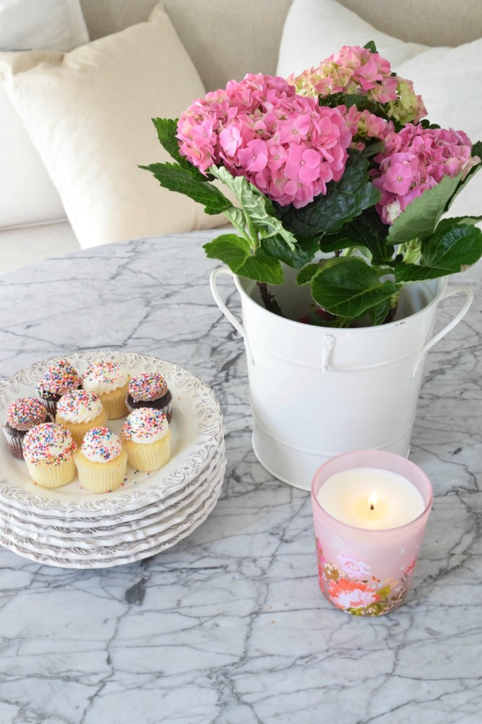 Friday Favorites- Home Tour , Home Decor and Candles
