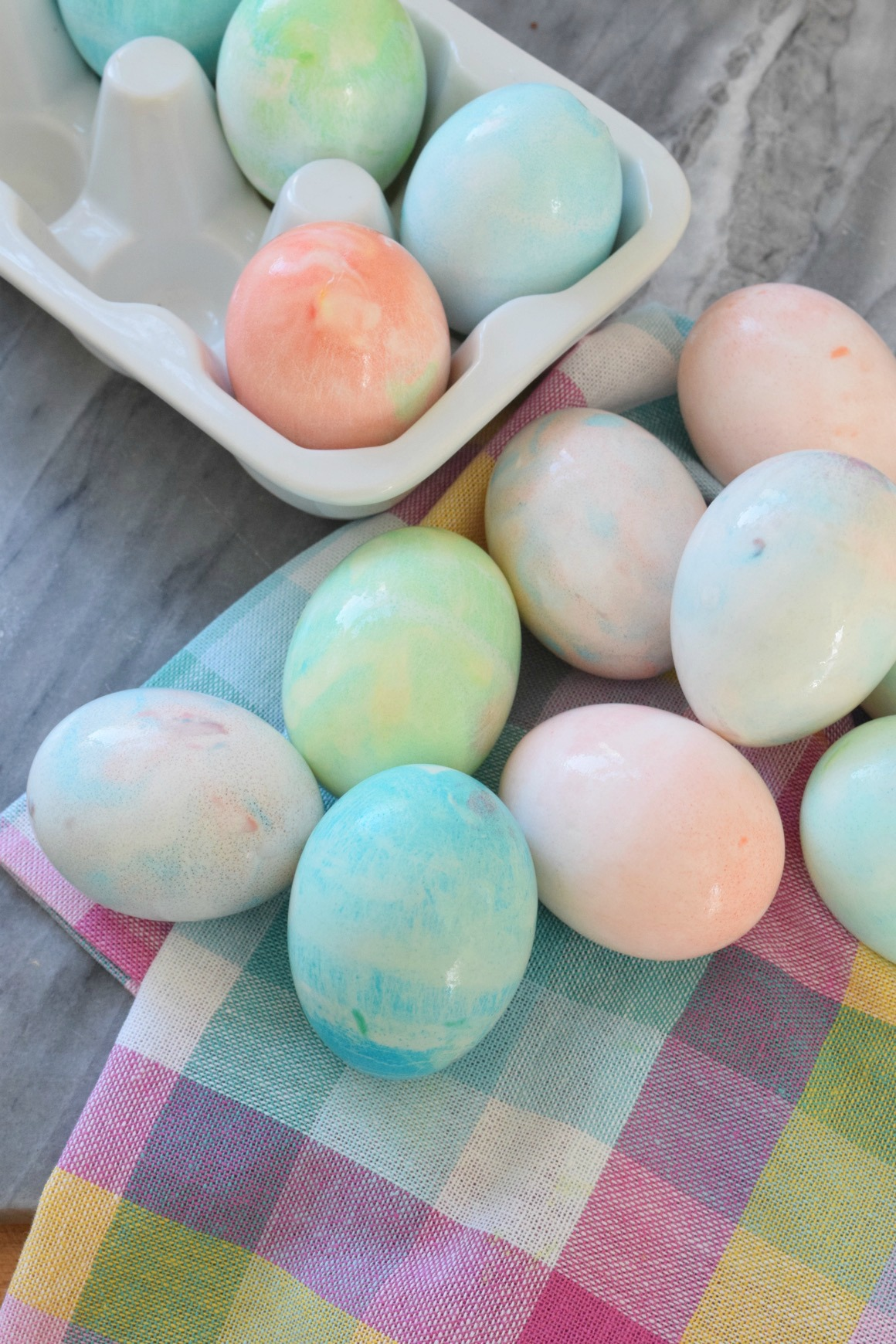 Friday favorites starts with easter nesting with grace easter ideas easter eggs tie dye with cream forumfinder Image collections