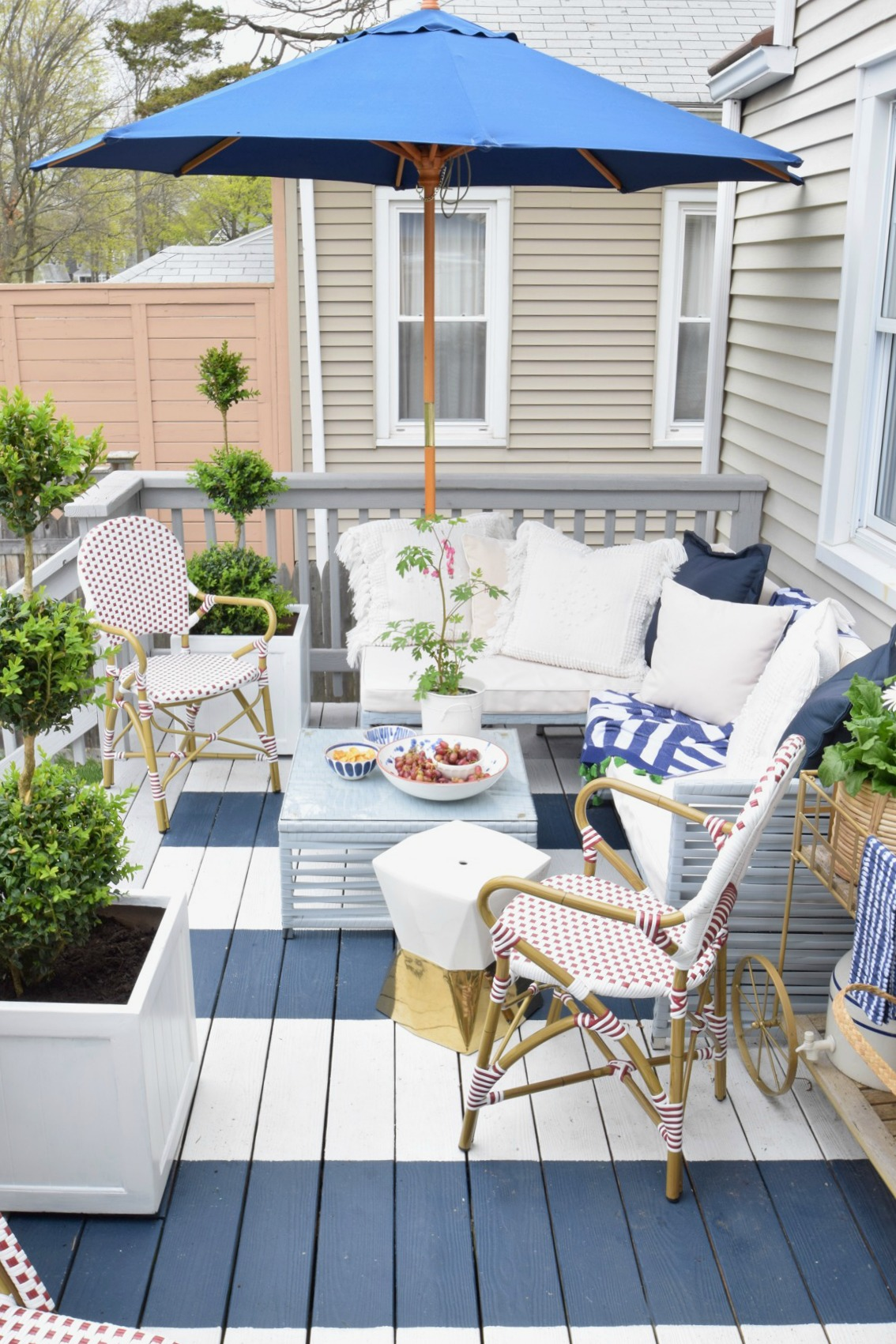 Outdoor Casual Dining And On Our Painted Deck  Backyard Entertaining