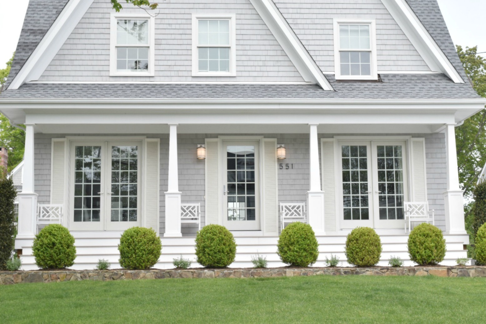 New England Homes- Exterior Paint Color Ideas - Nesting ... on Painting Ideas For House  id=48509