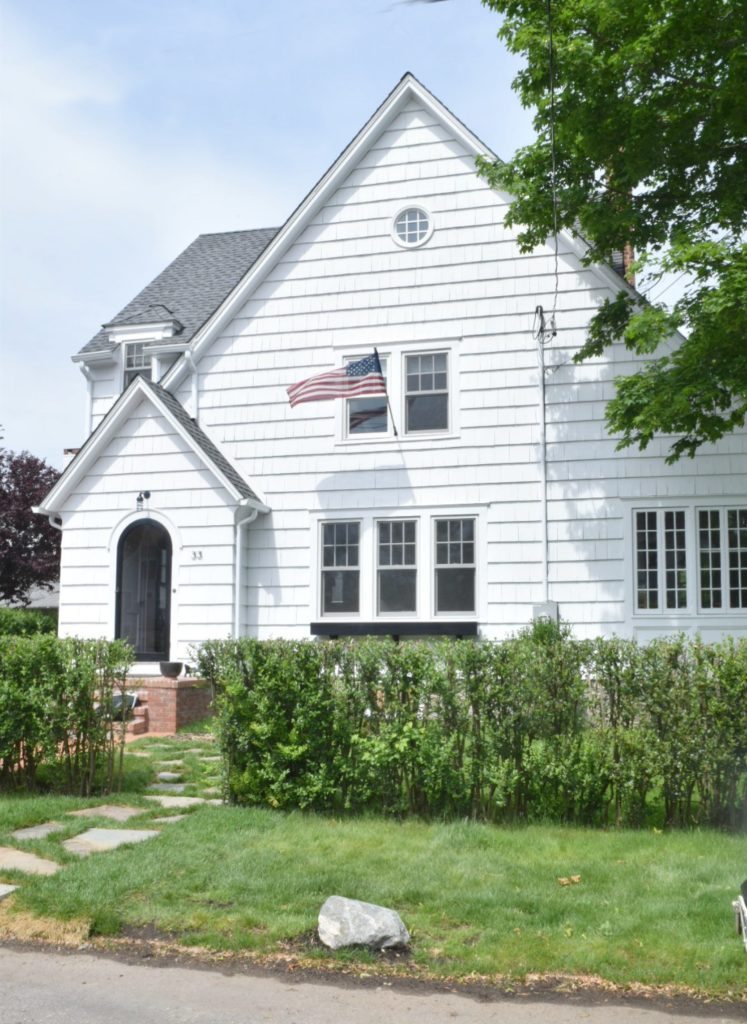 New England Home- Exterior Paint Colors for Homes