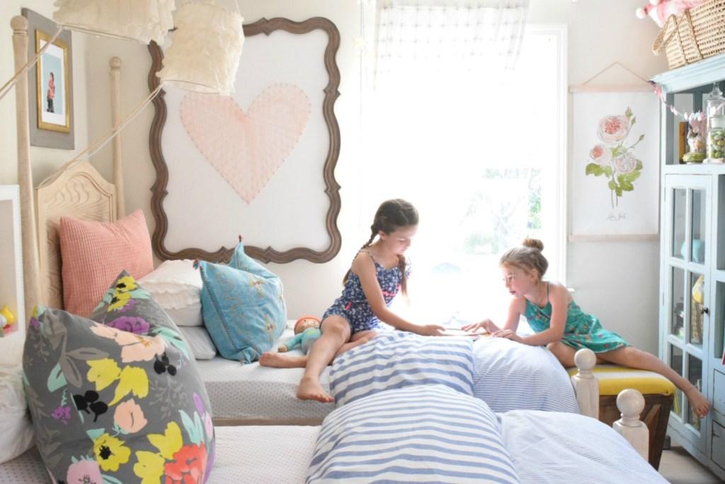Summer Home Decor- Girls Bedroom- Home Decor Ideas