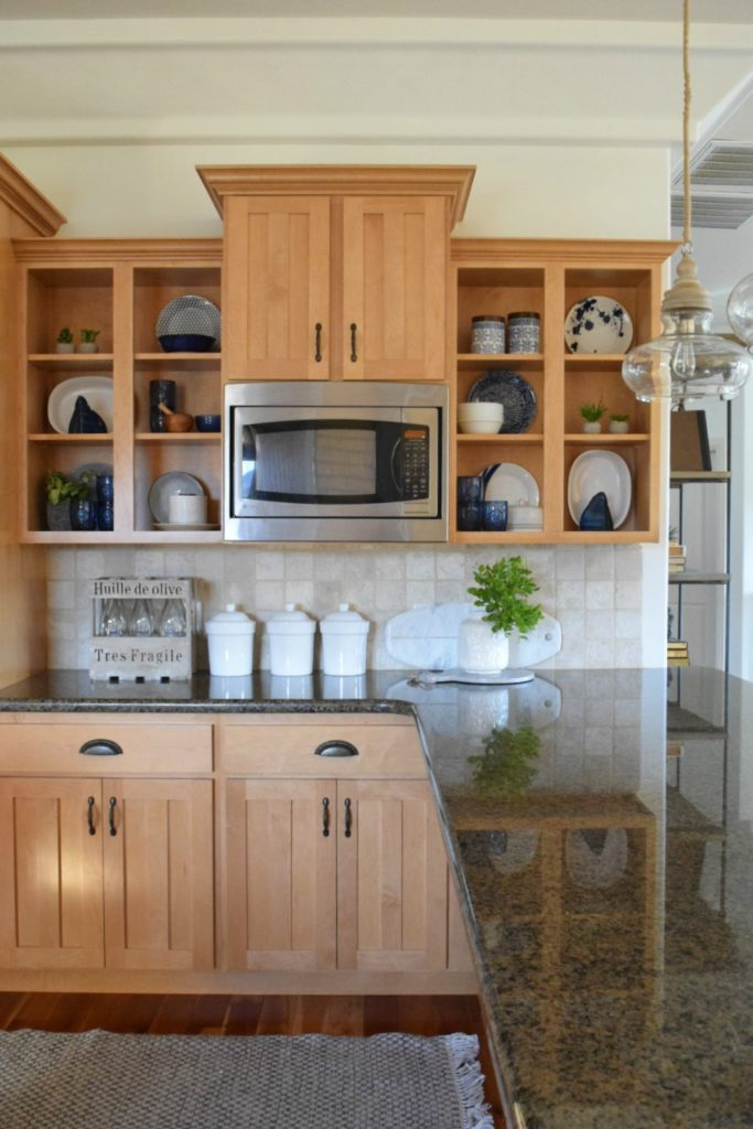 Kitchen Cabinets Update- Simple Ways to Update a Dated Kitchen
