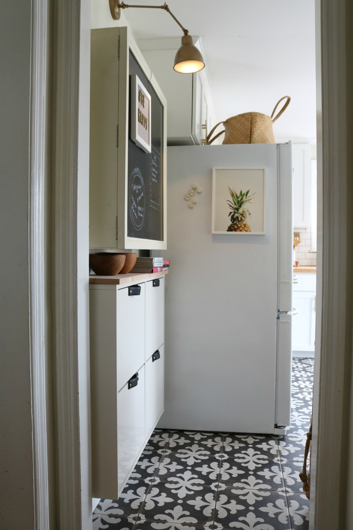 STALL IKEA HACK- Small Space Solution in our Kitchen ...