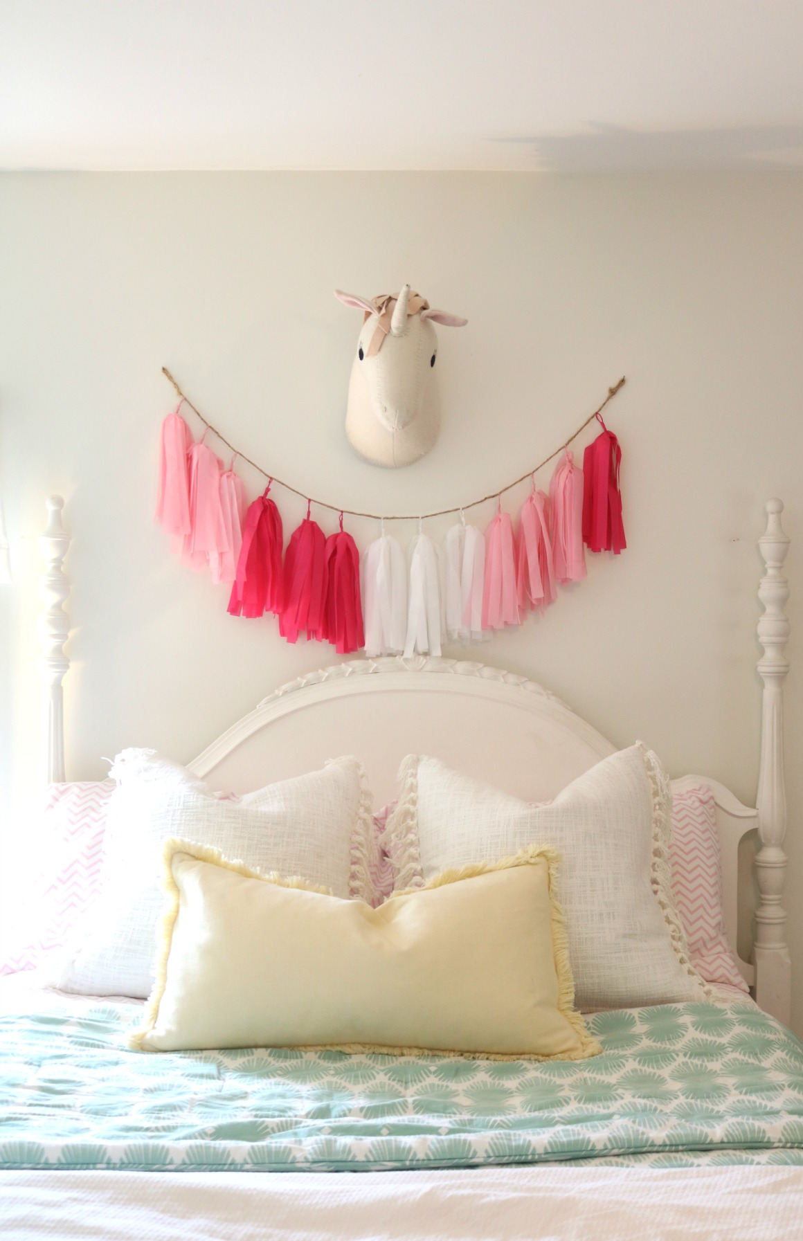 Girls Shared Bedroom Plan Thrifted Decor Mixed With New Nesting