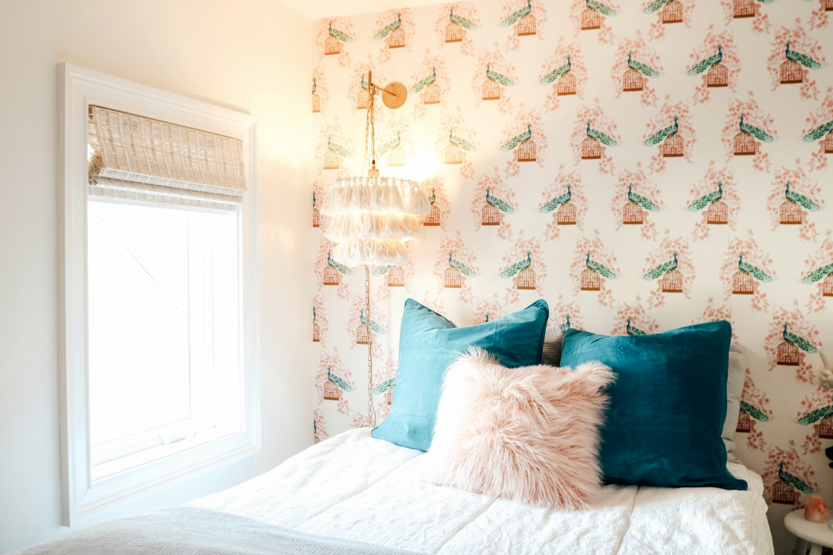 Small Girls Bedroom Makeover with Wallpaper Accent Wall ...