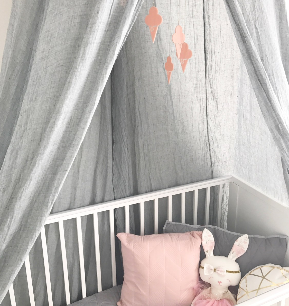 Real Nursery Style - Ivy's light, bright and contemporary nursery | www.nestlingcollective.com