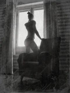 La chica de la ventana by Noemi Mare