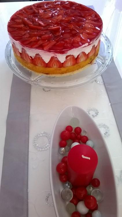 torta od jogurta i jagoda (16)