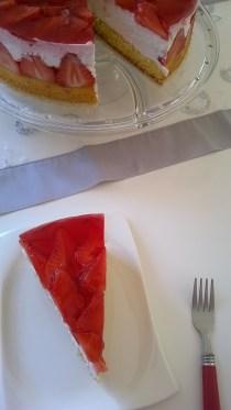 torta od jogurta i jagoda (6)