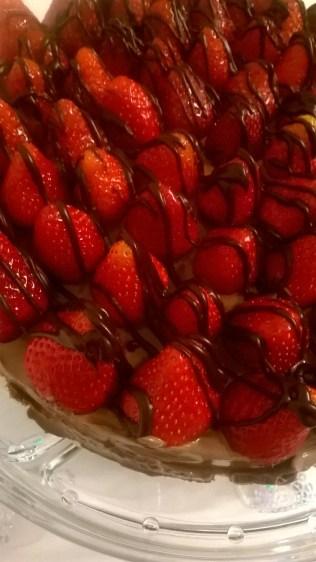 čokoladna torta sa jagodama (5)