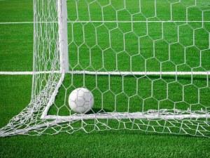 Lopta-u-golu-download-besplatne-sportske-pozadine-za-desktop-slike-sport-nogomet
