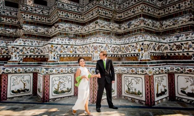 Wedding Photo Session at Wat Arun Bangkok (Thai Temple)