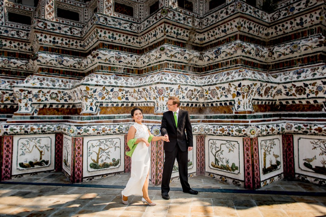 Wedding Couple Photo Shoot at Wat Arun Bangkok - T&P