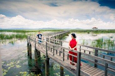 ภาพคู่แต่งงานพรีเวดดิ้งเขาสามร้อยยอด พุทธอุทยานบึงบัว สำนักสงฆ์สันติวิเวการาม หัวหิน | Khao Sam Roi Yot Hua Hin Pre-Wedding Photo