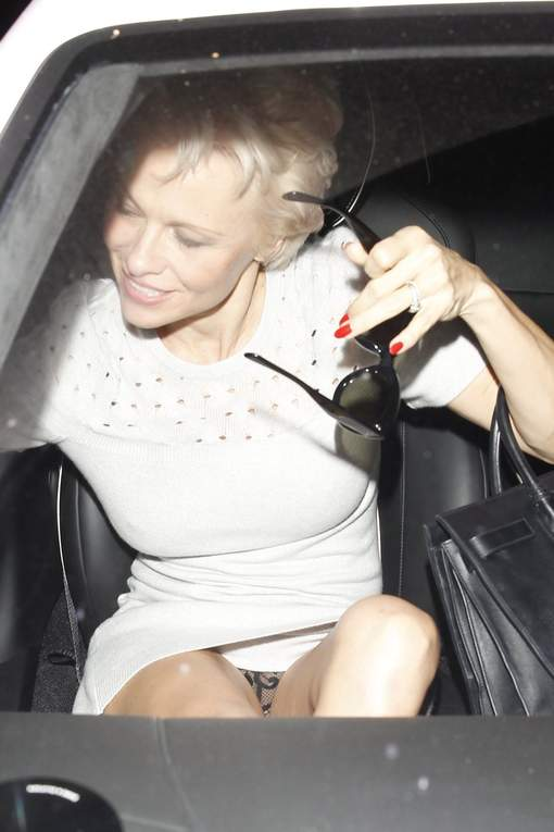 Pamela-Anderson-2