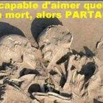 Une magnifique et émouvante représentation de l'amour : Les squelettes d'un couple enlacé