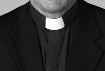 KENYA – Abomination : Un pasteur admet embrasser les seins des femmes de son église pour les délivrer