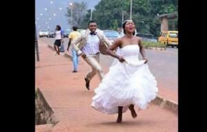 robe-mariée-couple-mariage-civil-force-fuite-300x192