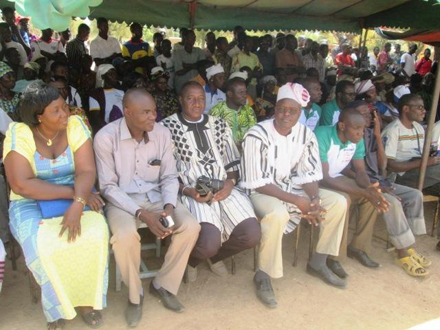 Le parrain Yacouba Millogo(bonnet) a repondu présent à  l'invitation des femmes
