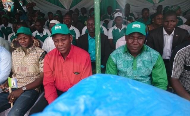 """Les officiels, lors du lancement de la campagne """"Yes we can"""""""