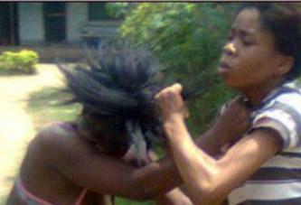 Nigeria : Mère et fille se bagarrent à cause d'un homme. Toute l'histoire