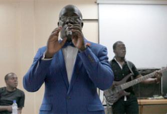 Sortie discographique:Francis SAMA signe«Elève-toi»