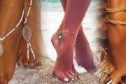 Pourquoi les femmes portent des chaînes au rein et au pied?