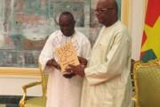 Présidence du Faso : Barthelemy Kéré et son équipe remettent leur rapport de fin de mandat à Roch
