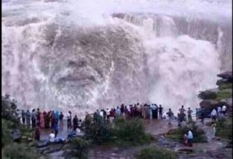 Insolite/Zambie: Les chutes d'eaux de la rivière victoria se transforment en visage d'un homme (PHOTO)