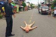 """Thaïlande: Un français au cœur brisé devient """"fou"""" et se met nu en pleurant dans la rue"""